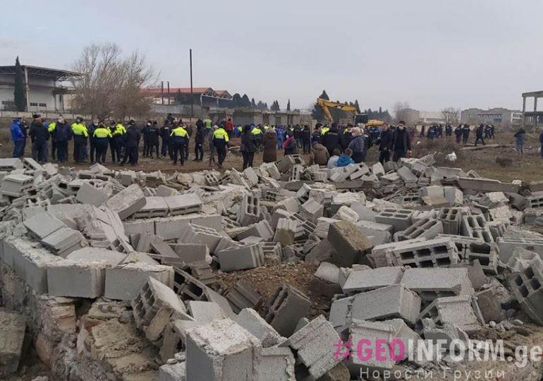 Муниципальная Инспекция Тбилиси снесет еще семь построек